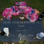 Na grobu Čarlsa Bukovskog: Ne pokušavaj [Tema: Bukovski]